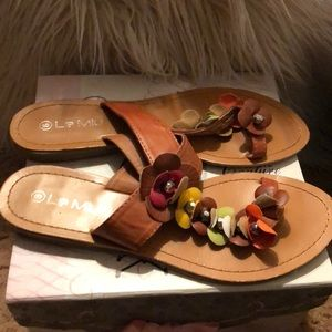 6b096d17d8a5 Le miu floral sandals